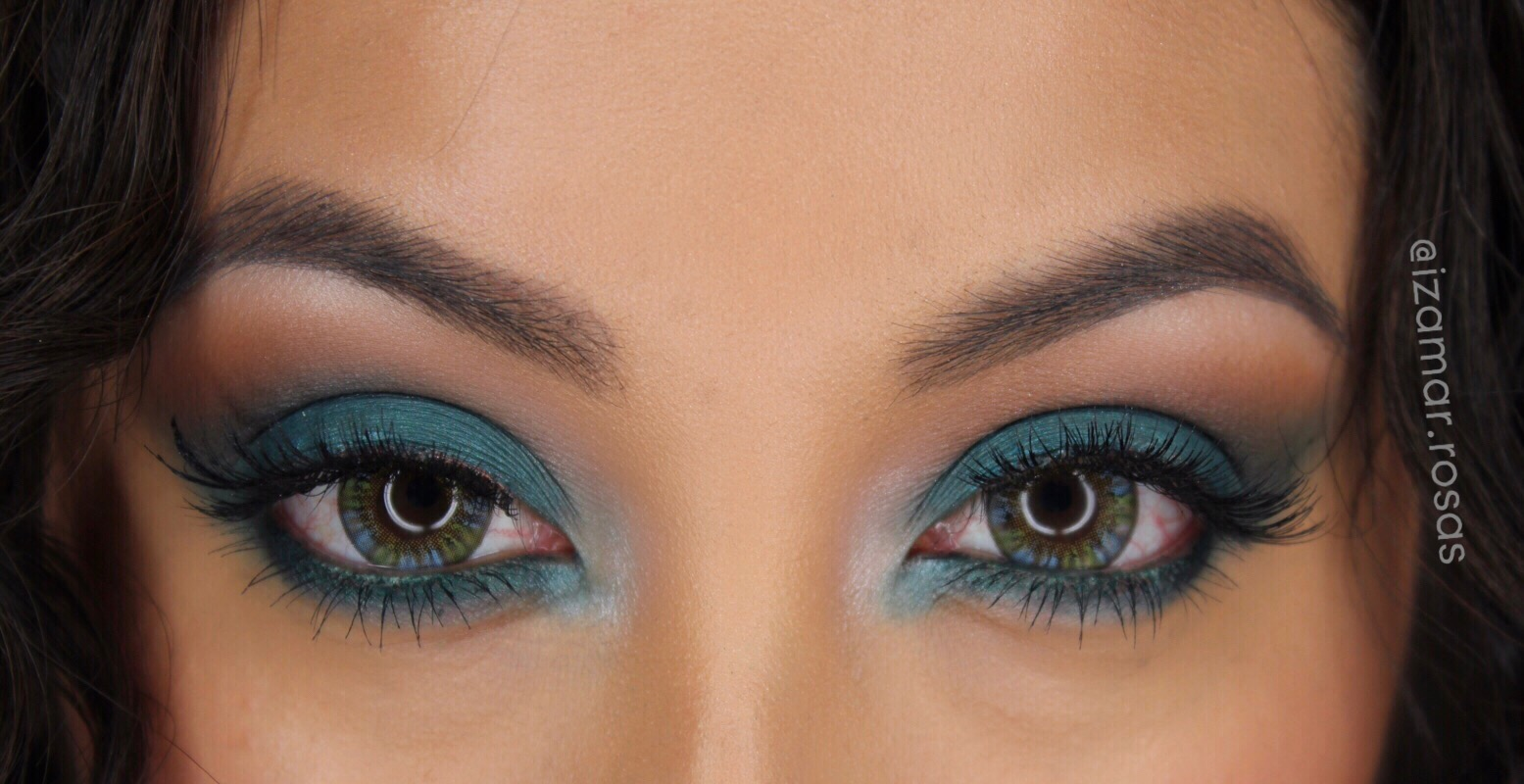 Rihanna's wild thoughts blue eye shadow inspiration